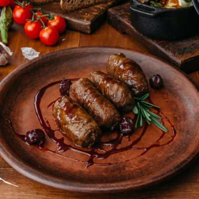 Veal rolls with cherries