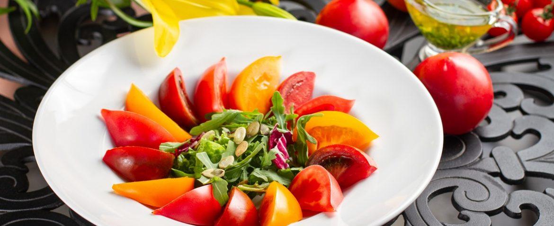 Cалат з трьох видів томатів
